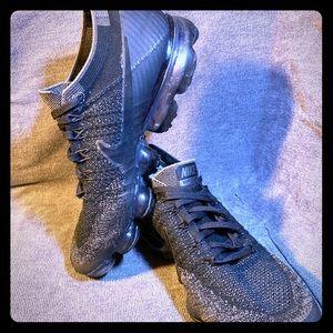 "Nike Air Vapormax Flyknit ""Triple Black"" Sz 9 1/2"